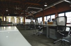 space-desk-workspace-coworking.jpg